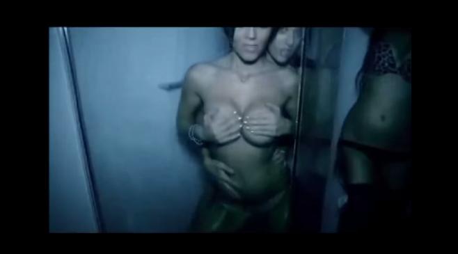 """Arkan dévoile sa nouvelle vidéo hot """"Femmes de l'Est"""""""