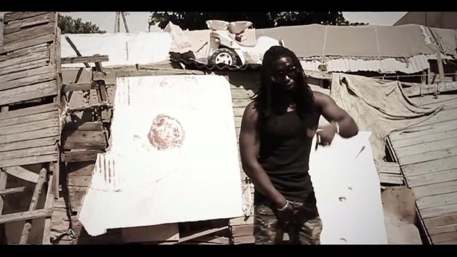 """Découvrez le nouveau clip d'Ixzo """"Africa Kalash"""""""
