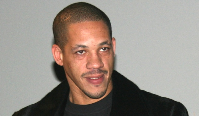 Air France porte plainte contre Joey Starr