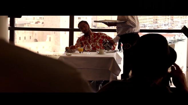 """Vidéo : Lacrim présente sa séance photo pour son album """"Corleone"""""""
