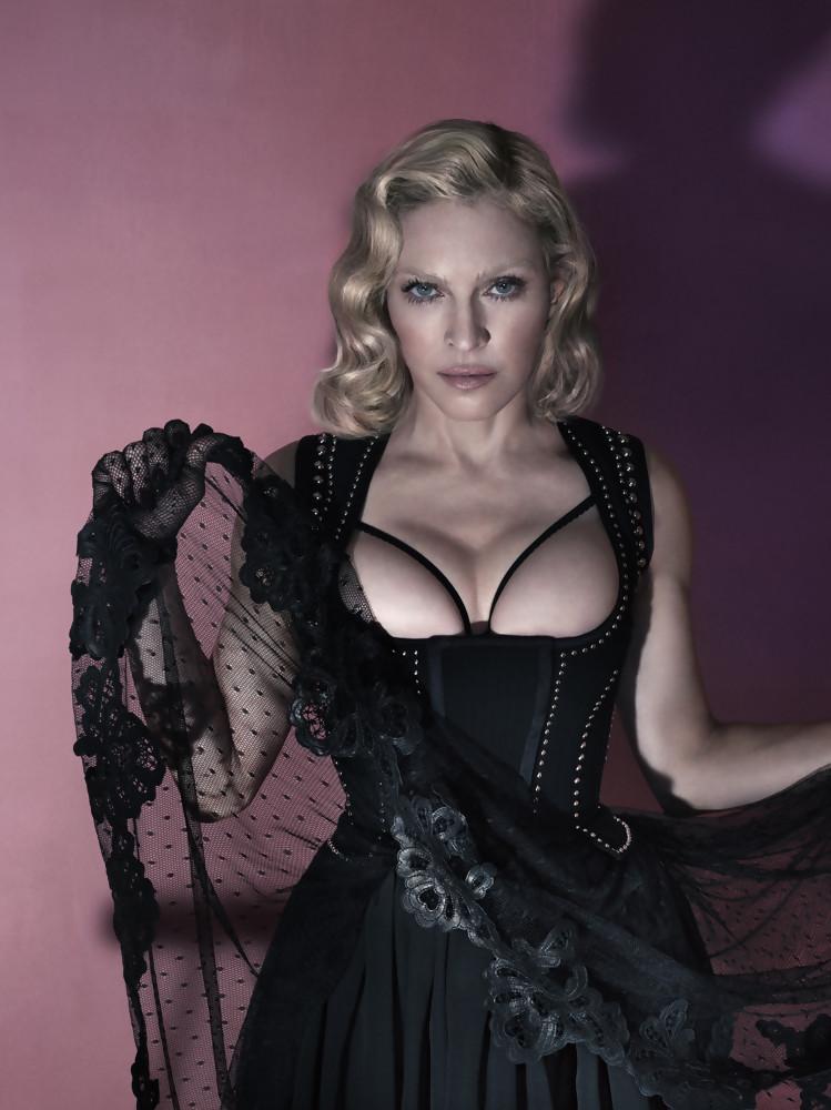 Madonna nue 3