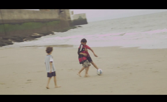 """""""Gaza Soccer Beach"""" le nouveau clip de Medine"""