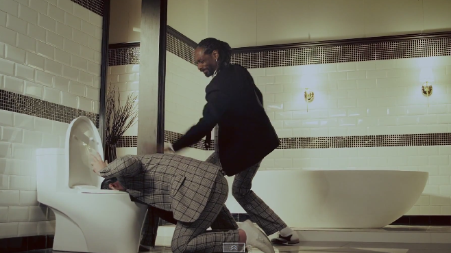 """PSY invite Snoop Dogg sur son nouveau clip """"Hangover"""""""