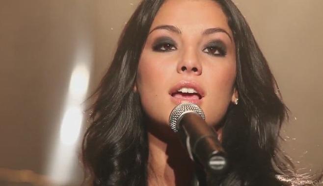 """Sarah Riani dévoile son single """"Des Hommes et des Femmes"""" en featuring avec LECK"""