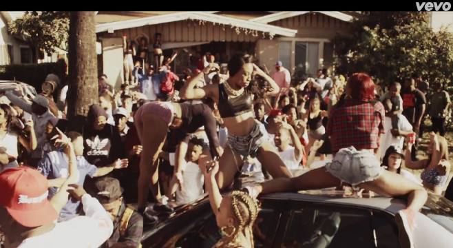 "YG présente le clip ""Left, Right"" Featuring DJ Mustard"