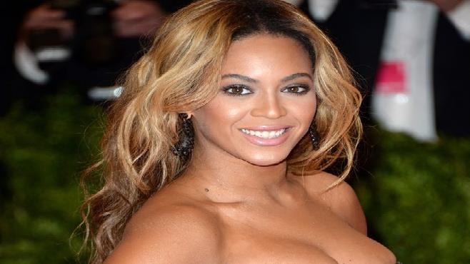 Beyoncé dépasse les 400 000 copies vendues de son dernier album en un jour
