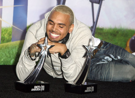 Chris Brown grand vainqueur des BET AWARDS 2011