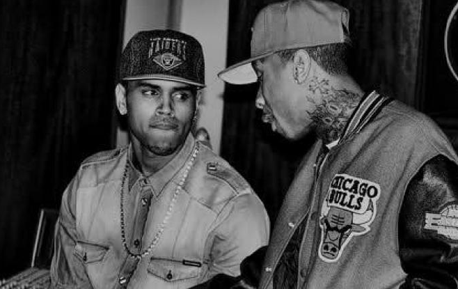 "Chris Brown présente le morceau ""Bitches"" Featuring Tyga"