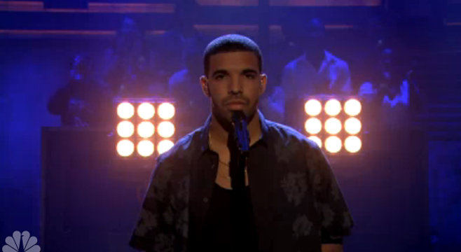 "Drake interprète ""Too Much"" titre inédit dans Late Night de Jimmy Fallon"