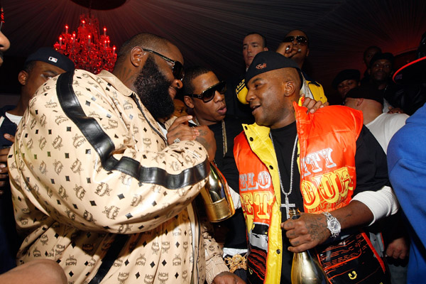 Bagarre entre Rozay et Young Jeezy en marge des BET Hip-Hop Awards 2012