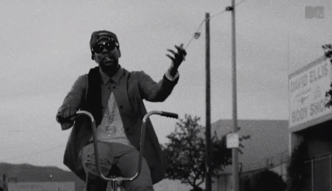 """2 Chainz publie son nouveau clip """"Trap Back"""""""