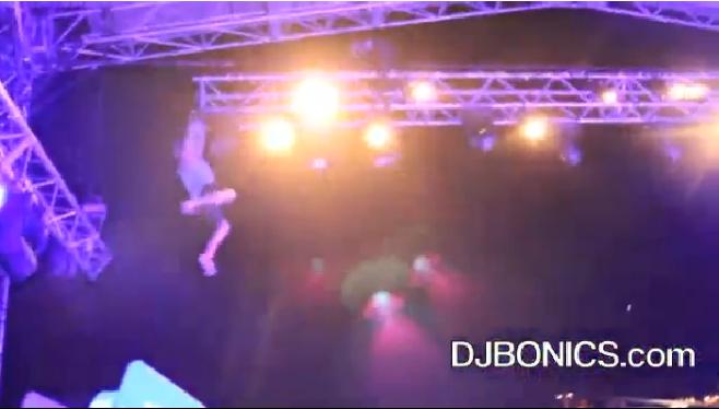 Vidéo : Un fan se blesse violemment durant le concert d'A$ap Rocky