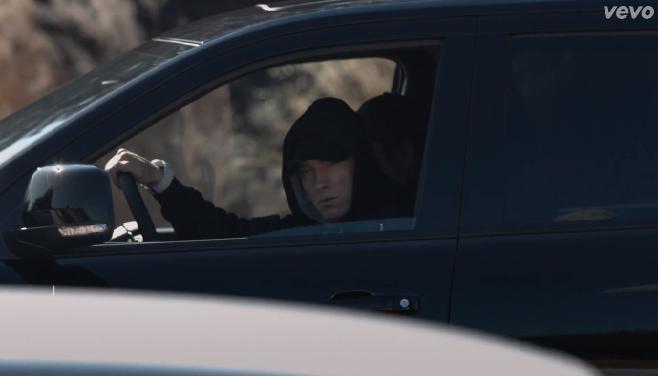 """""""Headlights"""" le nouveau clip d'Eminem Featuring Nate Ruess"""