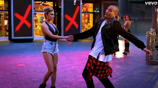"Chris Brown balance son clip ""Loyal"" Featuring Lil Wayne et Tyga"
