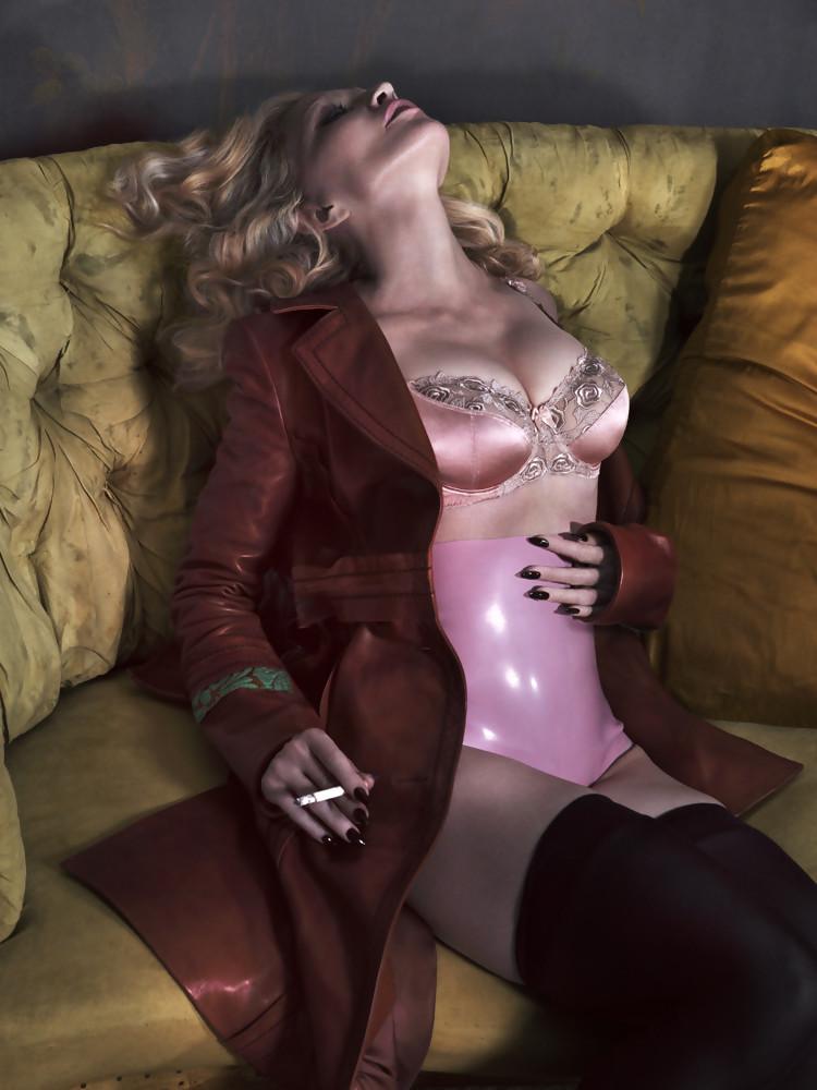 Madonna nue 10
