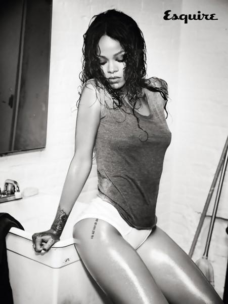 Rihanna Esquire 5