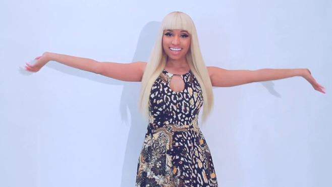 Nicki Minaj nous présente sa nouvelle collection de vetements