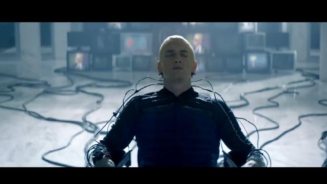 """Eminem dévoile son nouveau clip """"Rap God"""""""